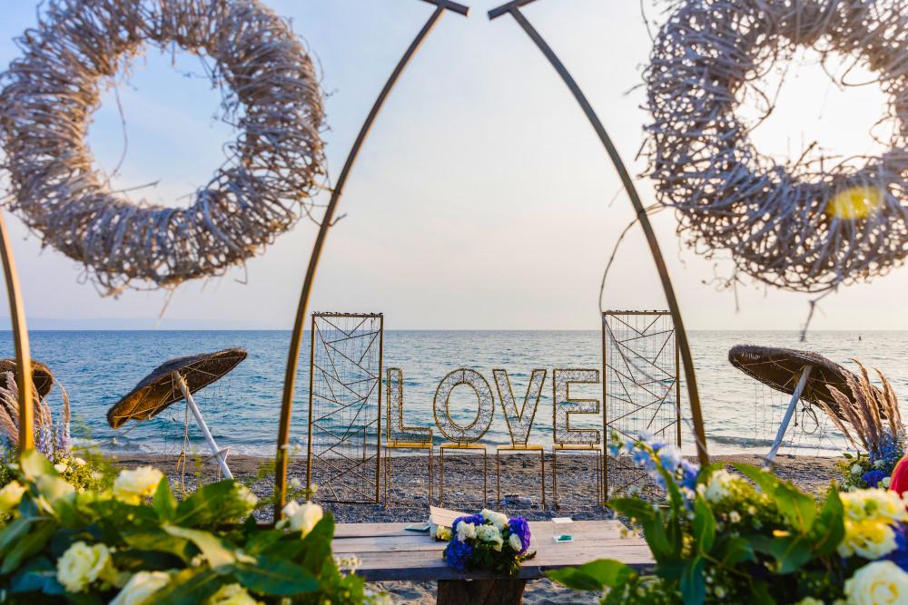 """Mare sapore di mare, a Gizzeria lido un """"sì"""" pieno di luce e amore"""